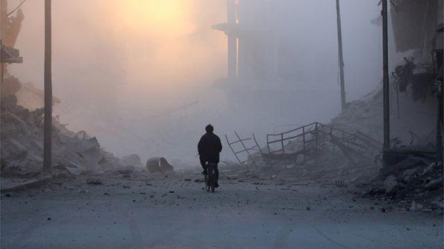 تعرضت البنية التحيتة للدمار بسبب احتدام المعارك في سوريا