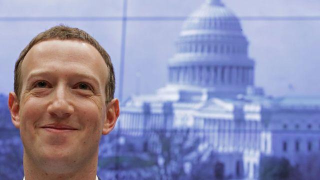 Из-за скандала вокруг Camdridge Analytica глава Facebook Марк Цукерберг был вынужден давать показания в конгрессе США
