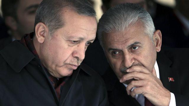 رئيس الحكومة التركية بن علي يلدريم والرئيس رجب طيب اردوغان