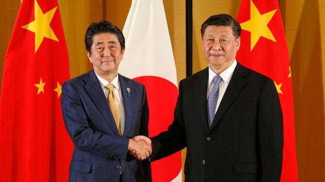 安倍首相、習主席に国賓訪日を招請 G20前に日中首脳が会談 - BBCニュース