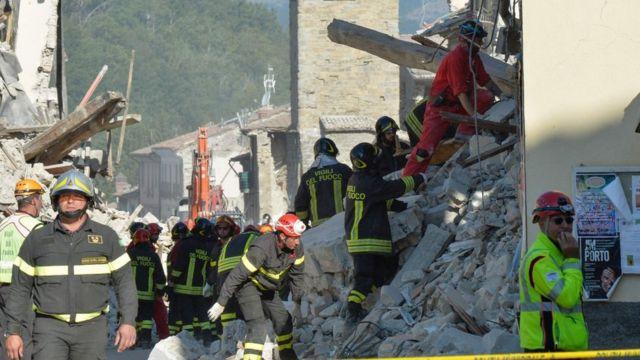 Спасатели в Аматриче