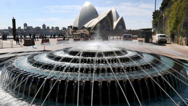 457ビザでオーストラリアに滞在する外国人は昨年10万人近くに上った