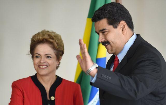 La ya expresidenta de Brasil Dilma Rousseff (izquierda) y el presidente venezolano Nicolás Maduro.
