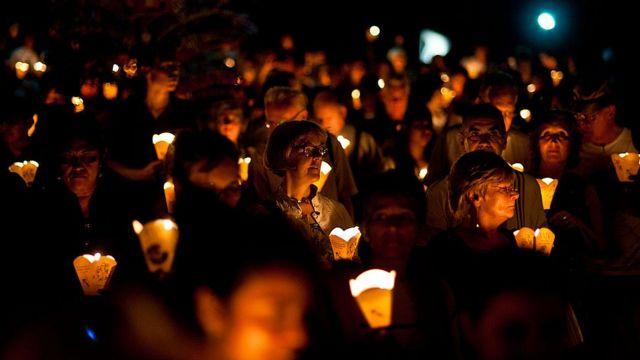 Marcha en 2013 para recordar el asesinato de seis sacerdotes jesuitas y dos empleados domésticas en 1989.