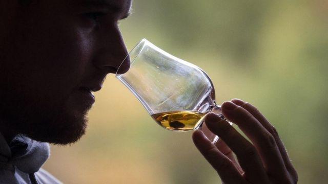 Представители отрасли ждут падения спроса на дорогой импортный алкоголь