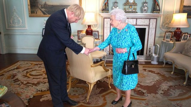 ملکه از نظر قانونی مجاز به رای دادن در انتخابات عمومی است