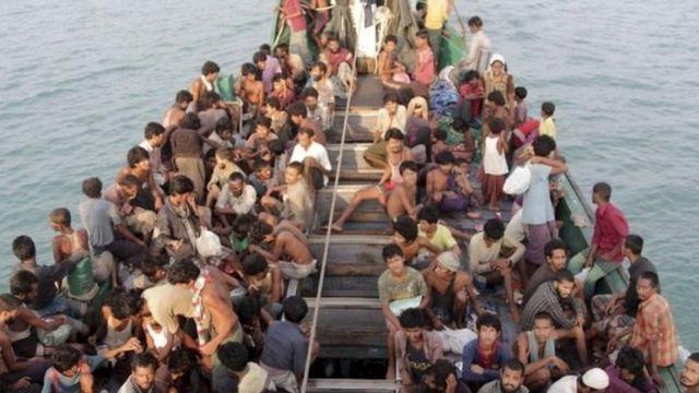 Musulmai 'yan kabilar Rohinjya na tserewa rikicin Rakhine