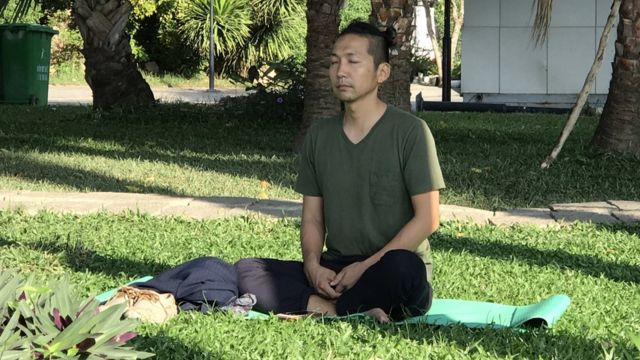 Yosuke Masuko meditating