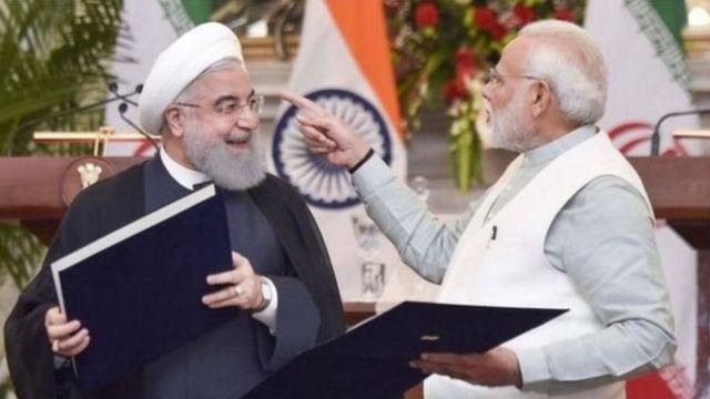 ईरानी राष्ट्रपति हसन रूहानी के साथ भारत के प्रधानमंत्री नरेंद्र मोदी