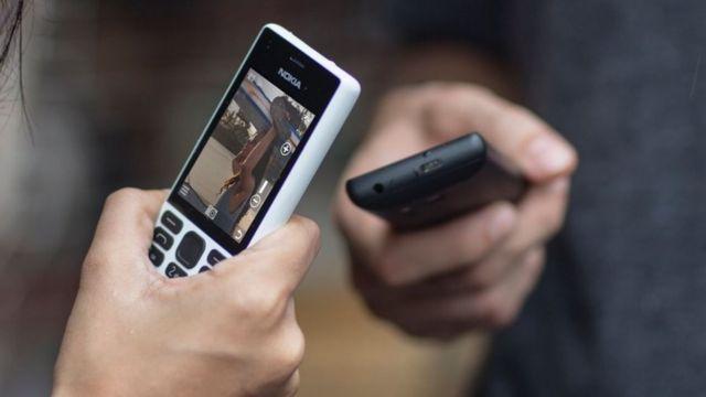 Nokia-nın sadə telefonları