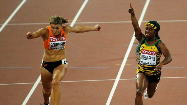 Shelly-Ann Fraser-Pryce ganando una carrera