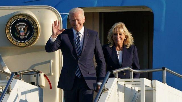 وصل الرئيس بايدن مع زوجته جيل إلى المملكة المتحدة