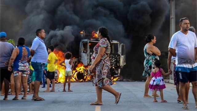 Масштабні пограбування із використанням автоматичної зброї та вибухівки, підпаленими авто почастішали у Бразилії від 2015 року