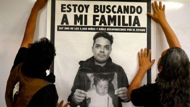 Cartel de campaña de jóvenes robados en Guatemala