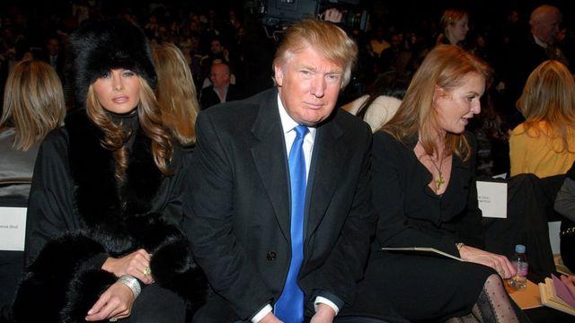 Мелания и Дональд Трамп и Сара Фергюсон в 2007 году.