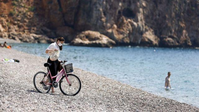 17 Mayıs'a kadar sürecek tam kapanma kısıtlamalarından turistler muaf tutuluyor.