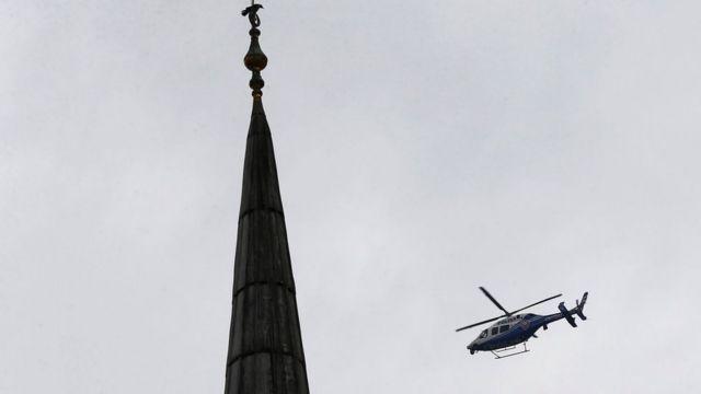 полицейский вертолет над Стамбулом