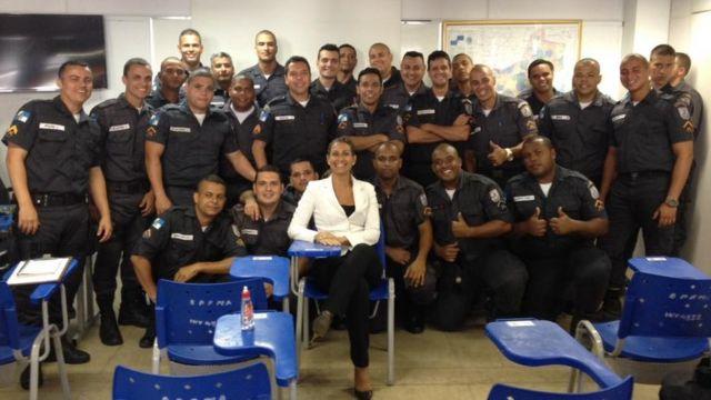 Mais de 3.000 policiais já fizeram os cursos de Comunicação Não Violenta dados por Azzariti