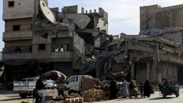 Região devastada da Síria ao norte de Aleppo