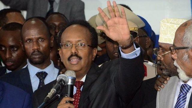 Dans son discours, le nouveau président Mohamed Abdullahi Farmajo, a promis d'améliorer la sécurité du pays et travailler à la réconciliation.