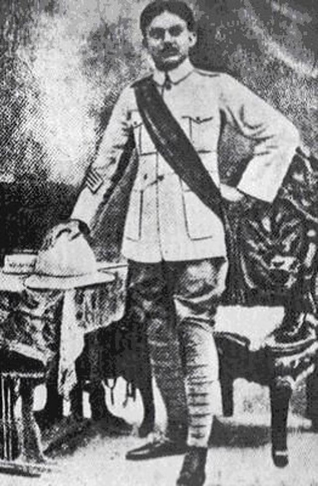 ব্রিটিশ ভারতীয় সেনাবাহিনীতে যোগ দিয়েছিলেন নজরুল ইসলাম (১৯২০ সালের আগে তোলা ছবি)