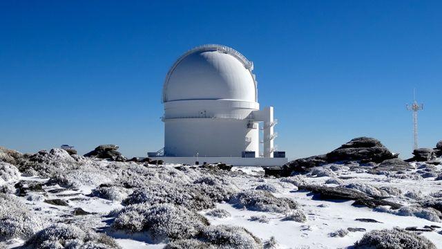 A estrela foi descoberta usando o observatório Calar Alto na Espanha