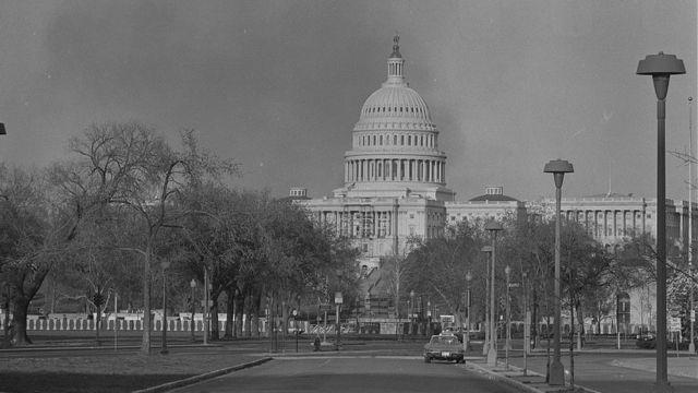 Humo sobre el Capitolio en Washington