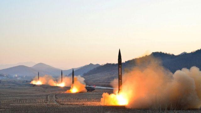 北朝鮮は6日、弾道ミサイルを4発発射した
