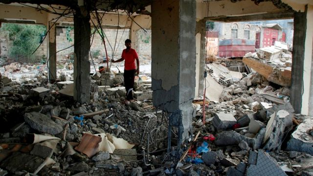 الدمار في تعز بسبب الحرب