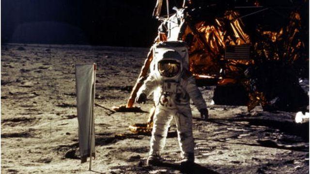 Ay'a ilk iniş NASA tarafından 20 Temmuz 1969'da gerçekleştirildi