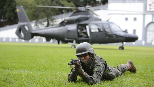 Militar em treinamento