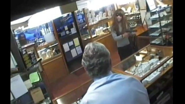 Attempted armed robbery on jewellers