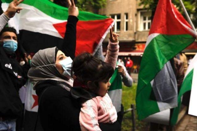 Unjuk rasa mendukung Palestina di Berlin.