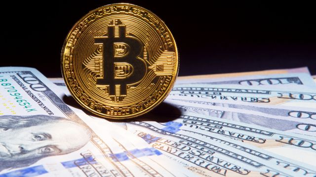 Bitcoin trading starts on the huge CME exchange