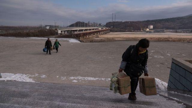 мост на границе Северной Кореи и Китая