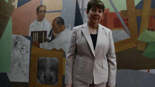 La rectora Cecilia García Arocha