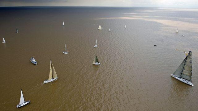 Río de la Plata y barcos.