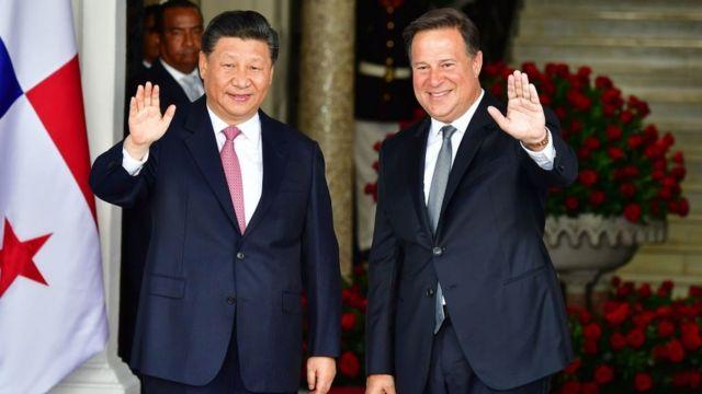 Xi Jinping, presidente de China y Juan Carlos Varela, presidente de Panamá.