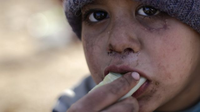 طفل سوري مشرد