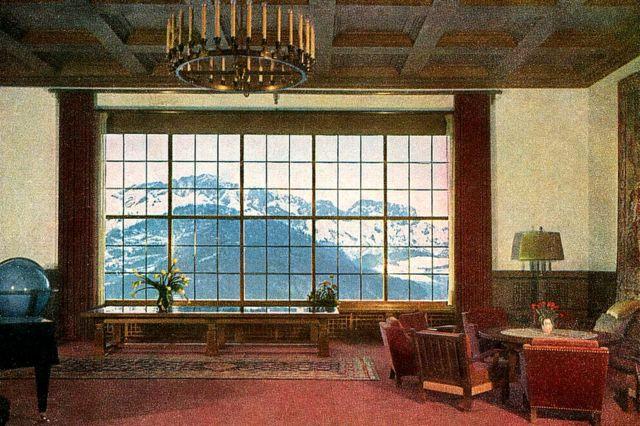 Interior de um dos salões de Berghof