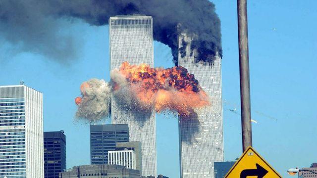 Sự kiện Tháp Đôi ngày 11/9/2001 làm rúng động thế giới