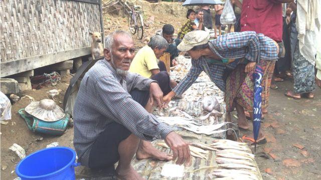 Pasar di Rakhine