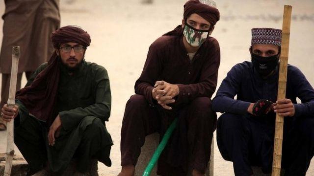 د چهار شنبې پر ورځ پاکستان سترې محکمې د اسیه بي بي د اعدام سزا لغو کړه او ویې ویل که نوموړې بل جرم نه وي کړی، سملاسي باید خوشې شي.