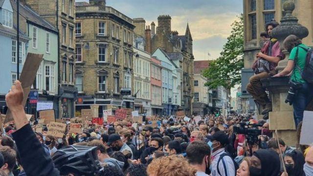 протест в Оксфорде