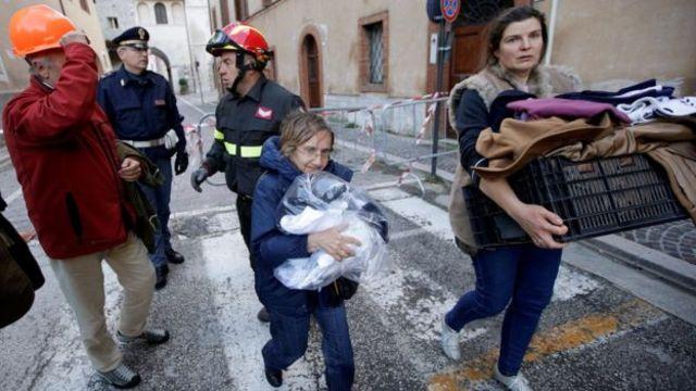 भूकंप प्रभावित इलाके के राष्ट्रपति ने कहा कि लगभग एक लाख लोगों को मदद की जरूरत होगी