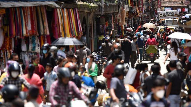 The crowds of Kathmandu