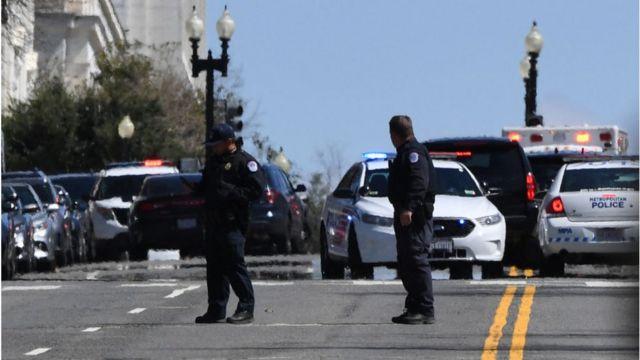 Policía en los alrededores del Capitolio