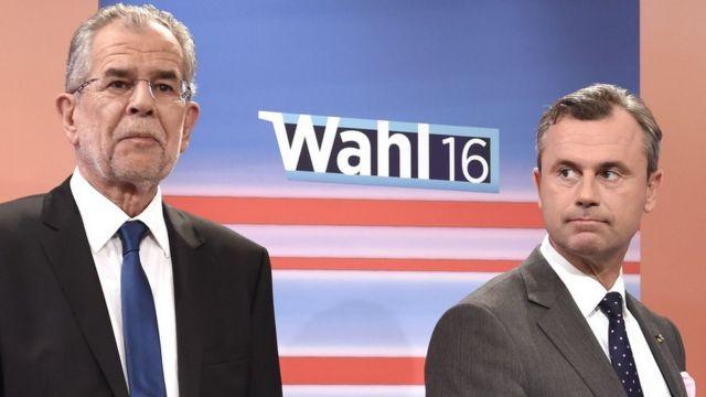 極右「自由党」のノルベルト・ホーファー氏(右)と、独立候補のアレクサンドル・ファン・デア・ベレン氏