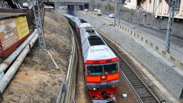 ကိုယ်ပိုင် ကျည်ကာ ရထားကြီးနဲ့ ဗလာဒီဗော့စတော့မြို့ကို ကင်ဂျုံအွန်း ရောက်ရှိလာခဲ့