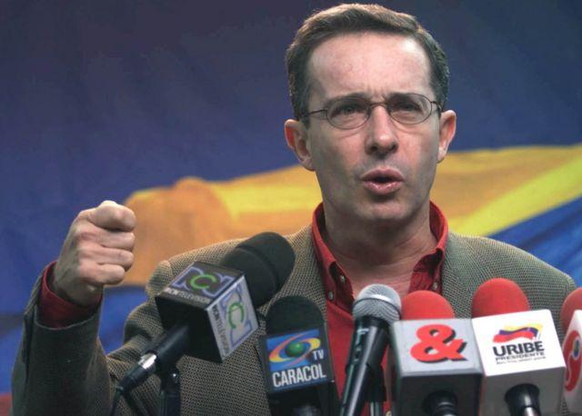 Uribe en 2002